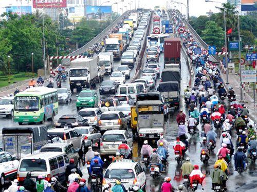 Hơn 24.000 ô tô quá niên hạn bị thu hồi, nhiều xe vẫn được rao bán - Ảnh 1