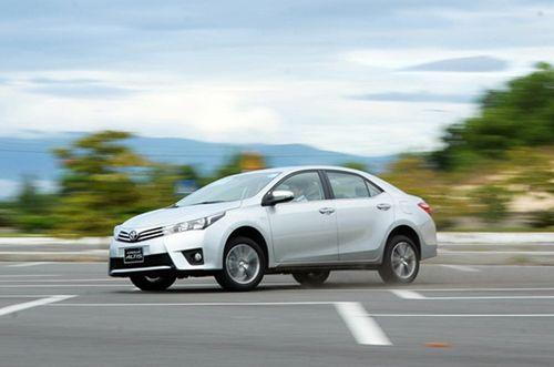 Toyota triệu hồi 2,4 triệu xe ô tô động cơ hybrid  - Ảnh 1