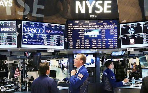 Mỹ: Nhà đầu tư đồng loạt rút tiền khỏi thị trường chứng khoán - Ảnh 1