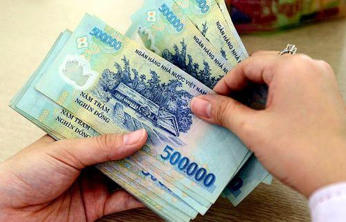 Nhân viên ngân hàng được thưởng Tết hậu hĩnh - Ảnh 1