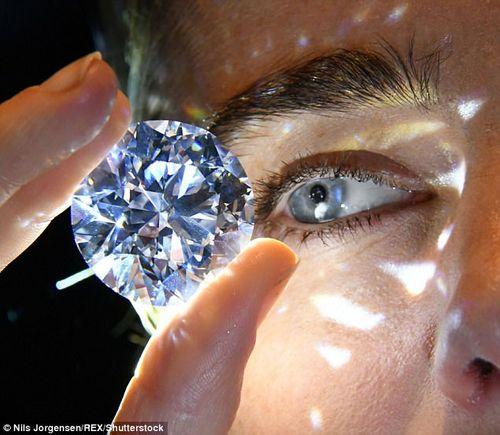 Chuẩn bị đấu giá viên kim cương trắng thuần khiết lớn nhất thế giới - Ảnh 1