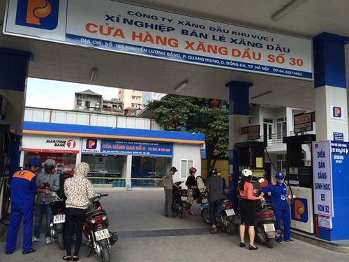 Hà Nội: Mùng 1 Tết, khách hàng sẽ gặp khó nếu muốn đổ xăng - Ảnh 1