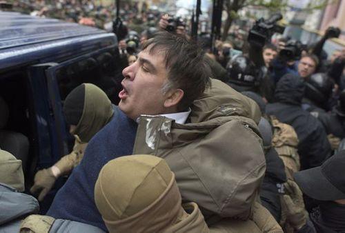 Cựu Tổng thống Gruzia bị trục xuất khỏi Ukraine - Ảnh 1