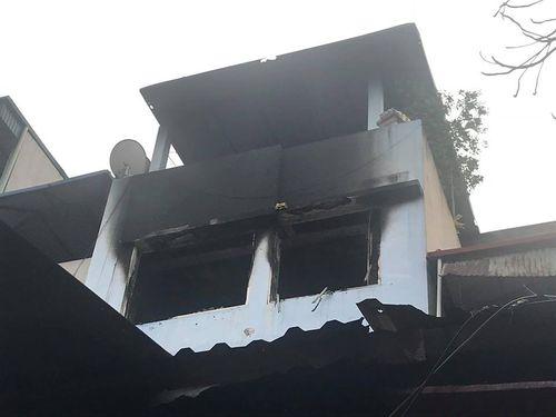 Hà Nội: Nhà 4 tầng phát cháy chiều mùng 2 Tết - Ảnh 1