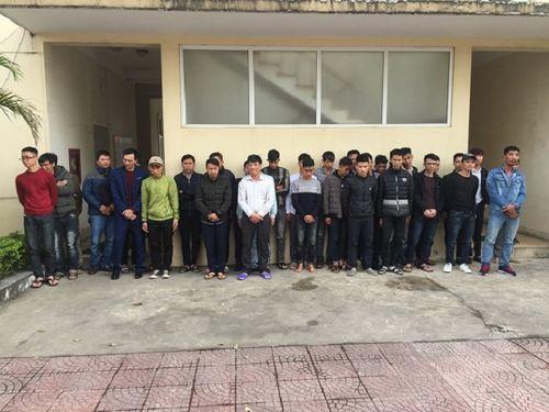 Hà Tĩnh: Xử lý, tạm giữ hơn 100 người đốt pháo đêm giao thừa - Ảnh 1