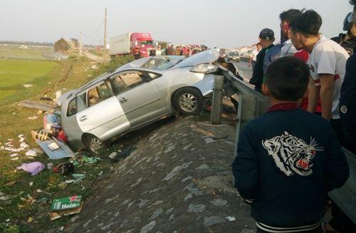 Tin tai nạn giao thông mới nhất ngày 18/2/2018 - Ảnh 1