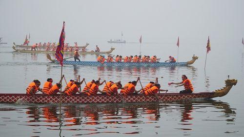 Hơn 400 vận động viên tranh tài đua thuyền rồng giữa lòng Hà Nội - Ảnh 1