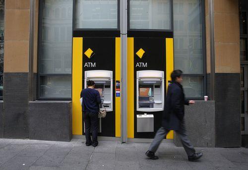 Ngân hàng CBA để riêng 375 triệu AUD để trả tiền phạt liên quan bê bối rửa tiền - Ảnh 1
