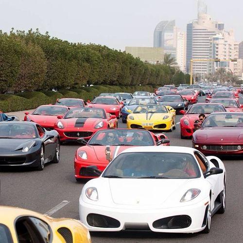 Những nơi mà siêu xe xuất hiện dày đặc hơn cả xe bình dân - Ảnh 1