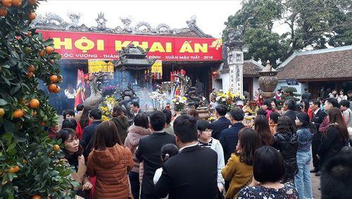 Lãnh đạo Kho bạc Nam Định đi lễ trong giờ hành chính: Đình chỉ 7 cán bộ - Ảnh 1