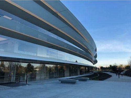 Khám phá trụ sở mới trị giá 5 tỷ USD của Apple - Ảnh 1