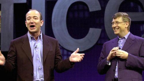 Amazon lần đầu vượt Microsoft về giá trị  - Ảnh 1