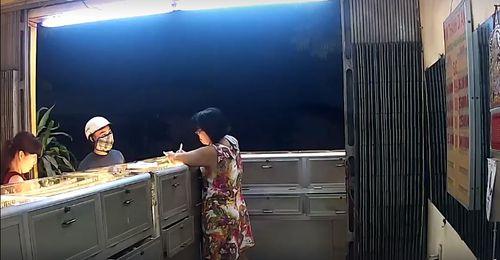 Tin mới vụ cướp tiệm vàng táo tợn tại Bình Dương - Ảnh 1