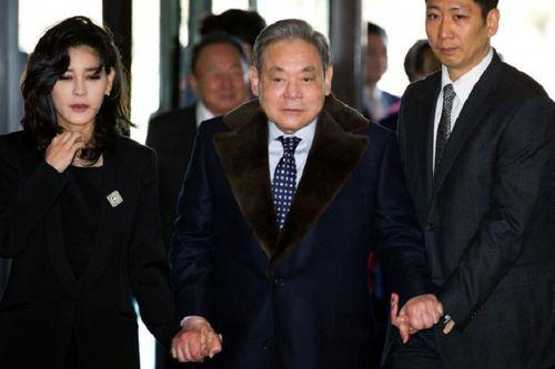 Chủ tịch Samsung bị nghi trốn thuế - Ảnh 1