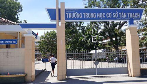 Vụ bóp cổ cô giáo ở Bến Tre: Nam sinh đã đi học trở lại - Ảnh 1