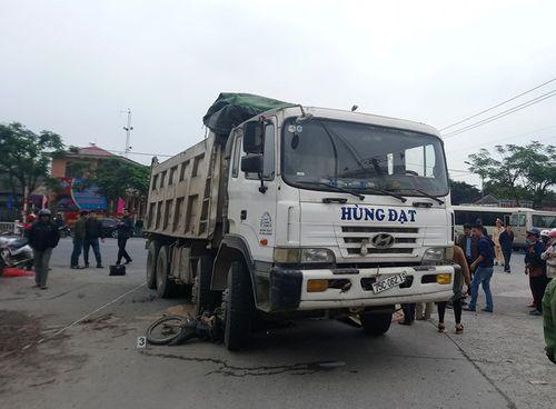Đi bán gạo, một phụ nữ bị xe tải cán tử vong - Ảnh 1