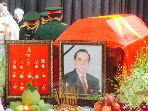 Lễ tang bình dị của nguyên Thủ tướng Phan Văn Khải tại tư gia - Ảnh 4