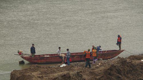 Tìm thấy nạn nhân cuối cùng vụ 9 người mất tích trên sông Hồng - Ảnh 1