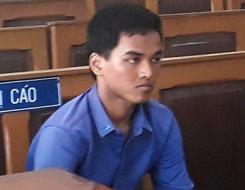 Giết người xong, trộm điện thoại rồi giấu xác nạn nhân vào bụi dừa nước - Ảnh 1