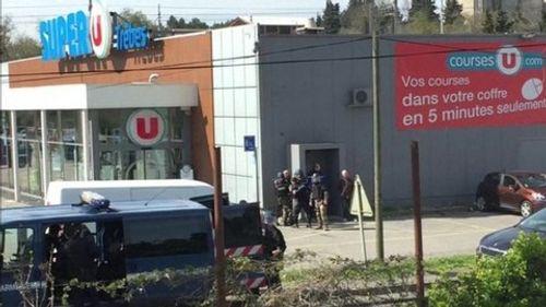 Vụ bắt cóc con tin ở siêu thị Pháp: Bắt một nữ nghi can - Ảnh 1
