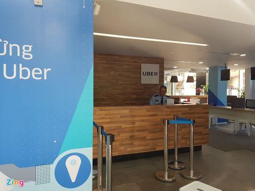 Trụ sở Uber tại Hà Nội tạm đóng cửa, nhiều tài xế lo lắng - Ảnh 1