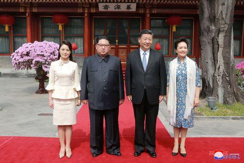 Đệ nhất phu nhân Triều Tiên nhận được nhiều lời ngợi khen sau chuyến thăm Bắc Kinh - Ảnh 1