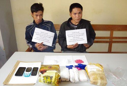 Khởi tố 2 đối tượng vận chuyển 11.000 viên ma túy tổng hợp qua biên giới - Ảnh 1