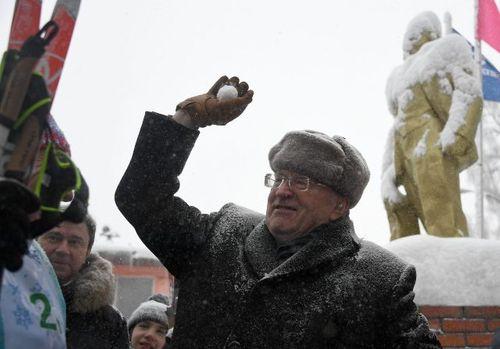 Xuất hiện đối thủ nặng ký của ông Putin trên đường đua giành ghế Tổng thống - Ảnh 1