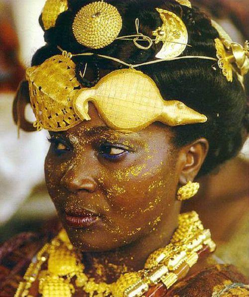 Bộ tộc châu Phi giàu đến nỗi đôi dép lê cũng gắn vàng ròng - Ảnh 3