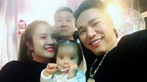 Vợ Châu Việt Cường: 'Chồng tôi vẫn đang bị ngộ độc tỏi' - Ảnh 1
