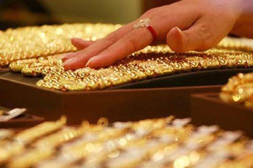 Giá vàng hôm nay 1/4: Mỗi lượng vàng tăng giảm khoảng 400 nghìn đồng - Ảnh 1