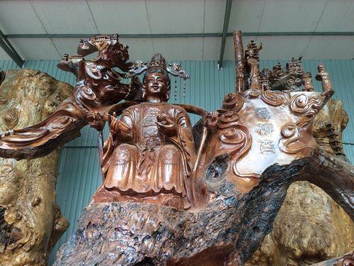 """Những tác phẩm từ gỗ quý của đại gia Việt khiến nhiều người """"hoảng hốt"""" khi nghe giá - Ảnh 11"""