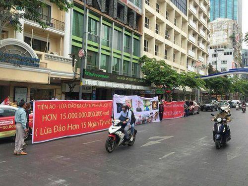 NHNN cấm các ngân hàng giao dịch tiền ảo sau vụ iFan lừa 15.000 tỷ  - Ảnh 1