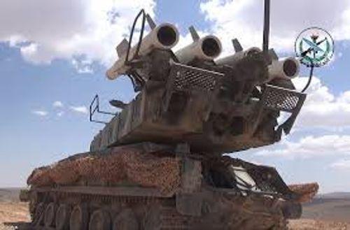 """Sau cuộc không kích dữ dội của Mỹ, Syria tung video """"khoe"""" hệ thống phòng không  - Ảnh 1"""