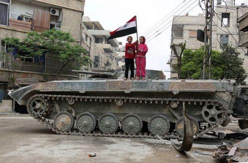 Mỹ triển khai thêm quân tới Syria sau khi ít nhất 19 tay súng bị sát hại - Ảnh 1