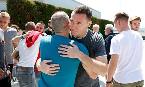 Chính thức xác nhận chia tay Barcelona vào cuối mùa, Iniesta rơi lệ  - Ảnh 1