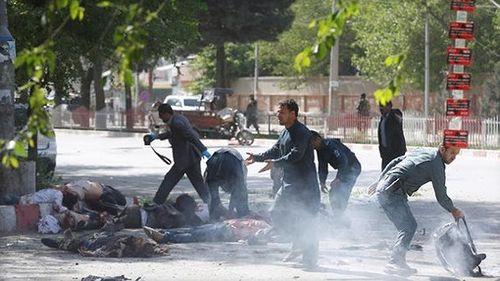 9 nhà báo thiệt mạng trong 2 vụ đánh bom liên tiếp tại Kabul - Ảnh 1