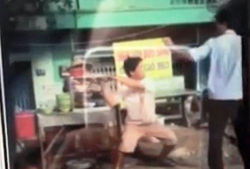 TP.HCM: Tổ trưởng trật tự đô thị bị chém khi xử lý lấn chiếm vỉa hè - Ảnh 1