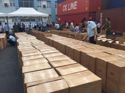 Hải quan Hải Phòng phát hiện hai tấn lá Khát cực độc nhập lậu vào Việt Nam  - Ảnh 1