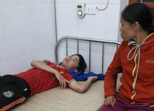 Nghệ An: Bị sét đánh chết khi đang ngồi dưới hiên nhà chơi game  - Ảnh 1