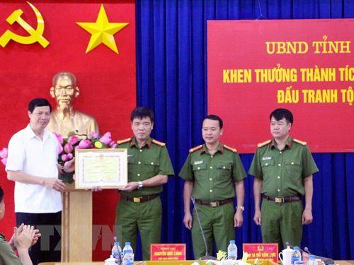 """Quảng Ninh thưởng """"nóng"""" lực lượng phá đường dây vận chuyển gần 24 kg ma túy - Ảnh 1"""