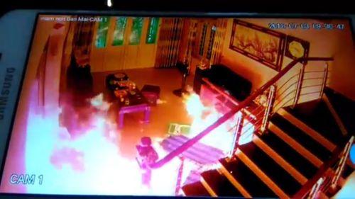 Camera ghi lại cảnh người đàn ông truy sát dã man đồng nghiệp tại Hà Nội - Ảnh 1