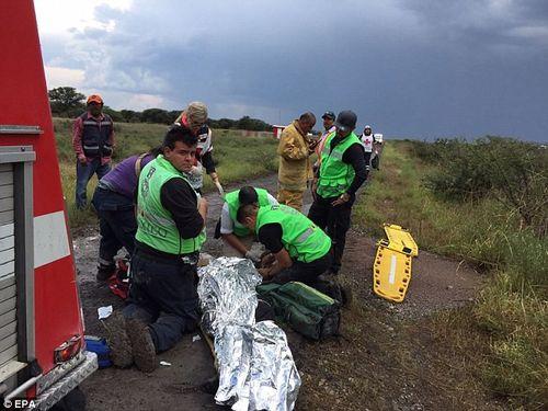 Máy bay rơi tại Mexico, 101 người may mắn sống sót thần kỳ - Ảnh 2