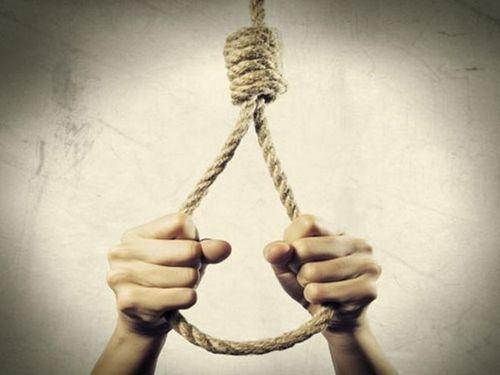 Vợ uất ức treo cổ tự tử sau khi chồng đi nhậu về khuya, gọi mãi không về - Ảnh 1