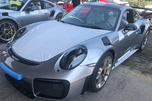 Cận cảnh siêu phẩm đường phố Porsche giá hơn 20 tỷ vừa cập cảng TP.HCM - Ảnh 3