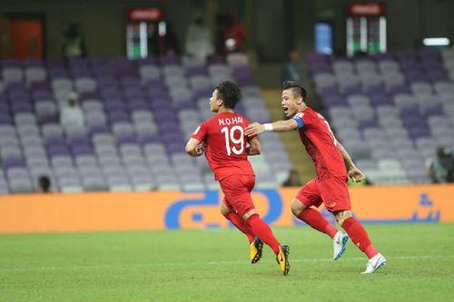 HLV Park Hang-seo tiết lộ về lời hứa của Quang Hải trước trận gặp Yemen - Ảnh 1