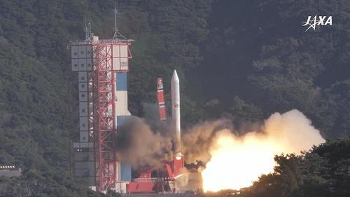 """Sau 1 ngày trì hoãn, vệ tinh Micro Dragon """"made in Việt Nam"""" được phóng vào quỹ đạo - Ảnh 1"""