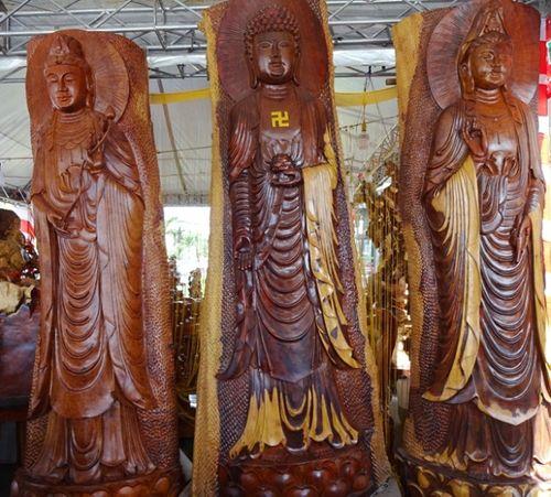 Pho tượng Phật Di Lặc từ gỗ xá xị khổng lồ tại Thanh Hóa được chào giá 1,2 tỷ đồng - Ảnh 4
