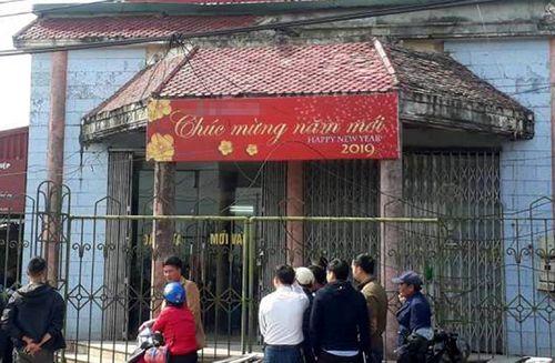 Vụ cướp ngân hàng ở Thái Bình: Trưởng thôn bị chém vào tay khi lao ra chặn đầu xe - Ảnh 1