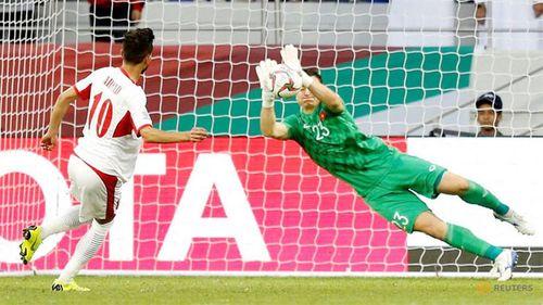 """Với 16 pha cản bóng """"thần sầu"""", Đặng Văn Lâm là thủ môn cứu thua nhiều thứ 3 tại Asian Cup  - Ảnh 1"""